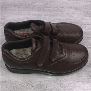 SAS Women's Velcro Strap Leather Walking Shoes